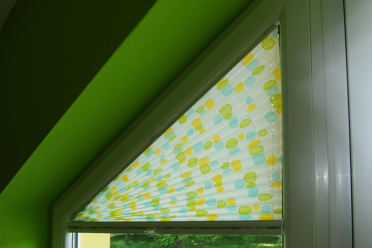 Interior fabric shading | PLEATED BLINDS | Pleated shading in non-traditional shapes